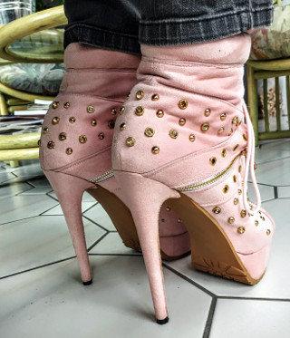 Katı basıncı sivri topuklu ayakkabı