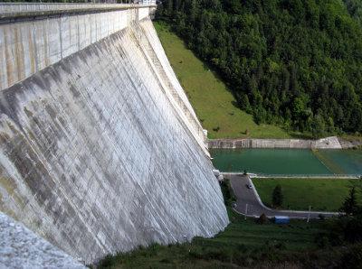 Sıvı basıncı günlük yaşam örnek baraj duvarı