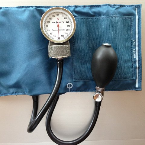 Tansiyon kan basıncı ölçümü analog manometre