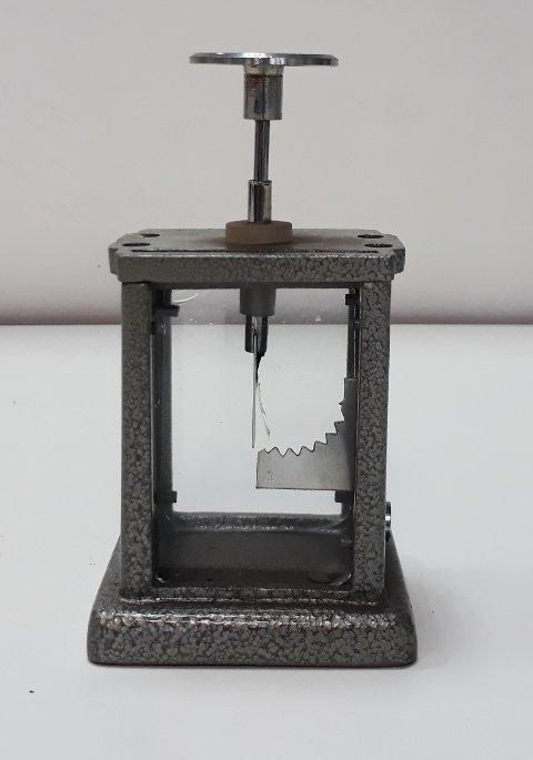 Altın yapraklı elektroskop
